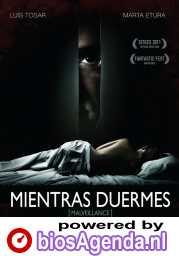 Mientras duermes poster, © 2011 Cinéart