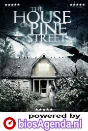 The House on Pine Street poster, copyright in handen van productiestudio en/of distributeur